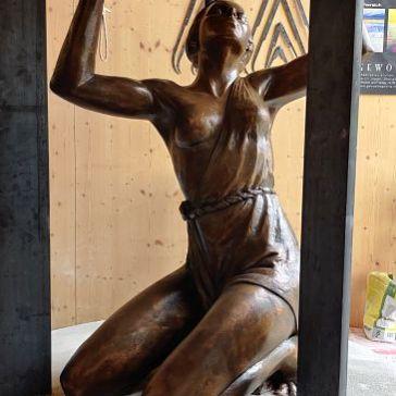 Mobiliar_Skulptur_bronze_patinierung (4)