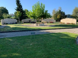 Friedhof Diessbach Grabmauer